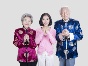 chinese family wishing happy chinese new year
